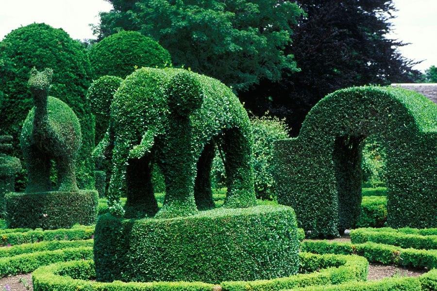 25 most amazing sculpture gardens in the world best for Garden animals