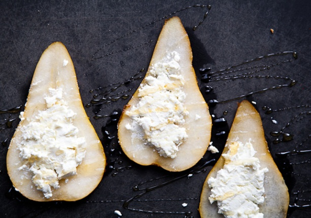 pear-with-goat-cheese-and-honey