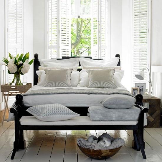 Dark Contrast Bedroom